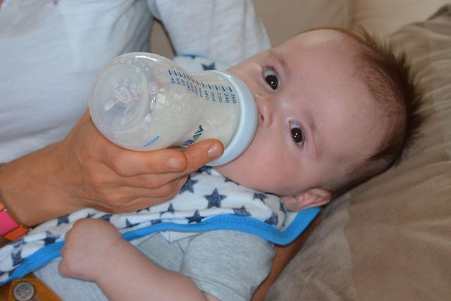Le lait infantile est important pour favoriser un bon développement du capital osseux des bébés